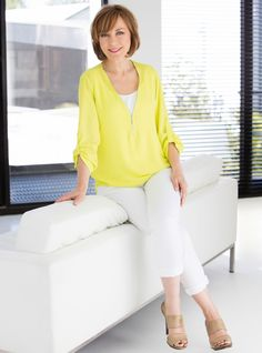 Sian Williams on cancer and life after a mastectomy Sexy Older Women, Sexy Women, Bbc Breakfast Presenters, Celebs, Celebrities, Nice Tops, White Jeans, Cancer, Glamour