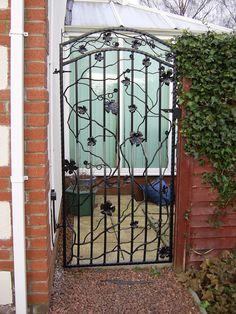 matching side gate