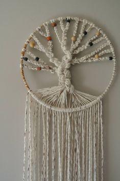 Tree of Life Variegated Hemp Crafts, String Crafts, Crafts To Make, Diy Crafts, Macrame Wall Hanging Diy, Macrame Art, Dream Catcher White, Macrame Patterns, Christmas Centerpieces