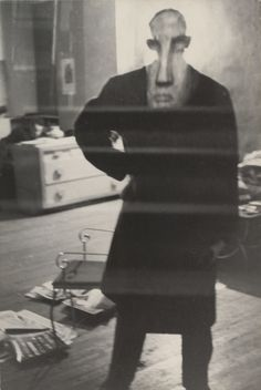 George Barrows in Robert Frank's Loft, New York -Louis Faurer Louis Faurer, Frank Horvat, William Eggleston, Bw Photography, Robert Frank Photography, Bad Picture, Art Corner, Out Of Focus, Street Photographers
