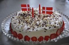Jordbær marcipan lagkage med billede opskrift vist 29542, printet 2999. Lækkeri Danmark Bagværk