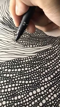 zentangle art ideas zentangle art + zentangle art beginners + zentangle art patterns + zentangle art mandalas + zentangle art artwork + zentangle art ideas + zentangle art beginners step by step + zentangle art colorful Zentangle Drawings, Zentangle Patterns, Doodle Drawings, Doodle Art, Zentangles, Zen Doodle Patterns, Doodle Borders, Tangle Doodle, Art Patterns