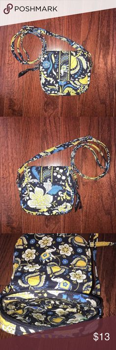 "Vera Bradley ""Ellie Blue"" small purse Small, pre-owned vera bradley purse. In great condition, zips and snaps closed, strap is adjustable and removable. Vera Bradley Bags Mini Bags"