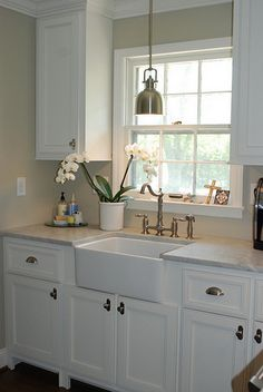 Lately, the kitchen is now the core of the home and seems to be the location where everyone gathers. Especially smaller kitchens should start looking ...