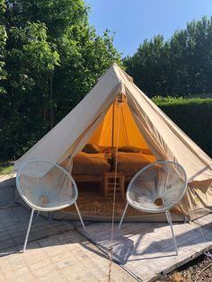 Een stoere safaritent op camping 7Huizen aan Zee. Ideaal voor de kids! #STOERbuiten #7HuizenaanZee #safari #tent #glamping #Zeeland #chillen Camping, Outdoor Furniture, Outdoor Decor, Hammock, Life Is Good, Tent, Good Things, Campsite, Store