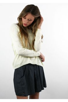Falda Topos, Falda estampada, dots, printed skirt, dotted skirt, Black and white, System Action, shop online, lookbook, model, street Style, SS2015, PV2015, new collection