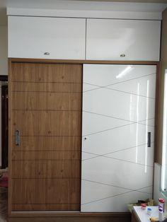 Wardrobe Interior Design, Bedroom Cupboard Designs, Wardrobe Design Bedroom, Bedroom Closet Design, Bedroom Furniture Design, Home Room Design, Home Interior Design, Sliding Door Wardrobe Designs, Wardrobe Doors