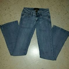 SALEUrban behavior jeans Gently used light wash jeans. 96% cotton so they have a nice little stretch to them. Dont let the 'Flare Leg' scare you! They really aren't very flared at all. Size 00 or 23 Overall great condition!  Make an offer!!! Price negotiable Urban Behavior Jeans