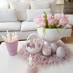 27 Cool Easter Decorations to Impress Your Guests # .- 27 Coole Oster Dekorationen, um Ihre Gäste zu Beeindrucken 27 Cool Easter decorations to impress your guests room - Silver Christmas Decorations, Easter Table Decorations, Basket Decoration, Holiday Decor, Easter Decor, Spring Decorations, Easter 2021, Deco Floral, Spring Home Decor