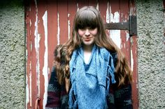 Create your own individual style with this adaptable snood