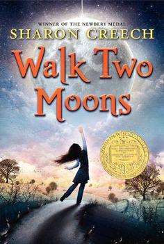 Walk Two Moons von Sharon Creech https://www.amazon.de/dp/B001MYJ3I8/ref=cm_sw_r_pi_dp_x_Hj97xb6PN1C4R