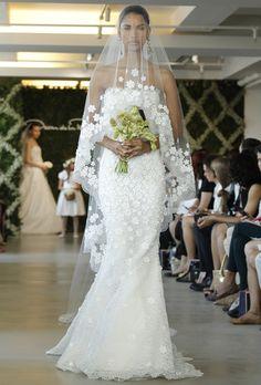 Um show de deslumbramento: conheça os vestidos de noiva Oscar de La Renta 2013 - Clique para ler o post