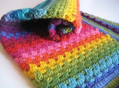 I love rainbow stripe blankets <3