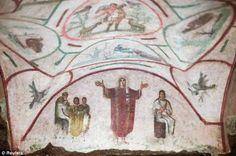 affresco con sacerdotessa trovato nelle Catacombe di Priscilla in Vaticano 240 ad