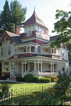 I love big houses.