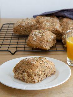 Eltefritt langpannebrød med havre og gresskarkjerner Scones, Muffin, Keto, Breakfast, Morning Coffee, Muffins, Cupcakes, Morning Breakfast, Cupcake