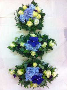 Jeg har laget borddekorasjoner til en guttedåp. En rund og to avlange. Hanukkah, Floral Wreath, Wreaths, Home Decor, Homemade Home Decor, Door Wreaths, Deco Mesh Wreaths, Garlands, Floral Arrangements