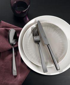 Sambonet Flat 24-delige bestekset - zwart?   Woldring Flats, Tableware, Loafers & Slip Ons, Dinnerware, Tablewares, Ballerinas, Dishes, Place Settings, Apartments