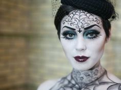 maquillaje-vampiresa-halloween-estilo-gotico-tocado - MaquillajeRossa