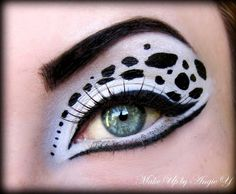 A stunning tribute to your most loyal companion! This Dalmation-patterned eye look is out of this world. Costume Makeup, Halloween 2014, Couple Halloween Costumes, Holidays Halloween, Halloween Decorations, Halloween Face Makeup, Diy Costumes, Costume Ideas, Dalmation Face Paint