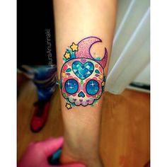 Cute sugar skull by Laura Anunnaki. sugarskull dayofthedead skull LauraAnunnaki sparkly girly