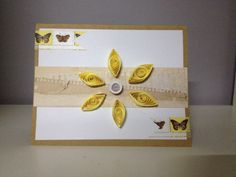 tarjeta con flor de quilling