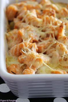 Salmão gratinado com batatas