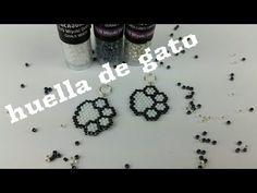 HUELLA DE GATO - YouTube Beaded Brooch, Beaded Jewelry, Beaded Bracelets, Diy Earrings, Crochet Earrings, Beading Needles, Peyote Stitch, Brick Stitch, Beading Tutorials