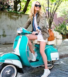@Who What Wear - Blair Eadie of Atlantic-Pacific Styles 4 Perfect Outfits For A New York Afternoon