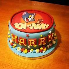 Tom and Jerry birthday cake Bolo Tom E Jerry, Tom And Jerry Cake, Tom Y Jerry, Tom And Jeery, Fondant Cakes, Cupcake Cakes, Creative Desserts, Character Cakes, Cakes For Boys