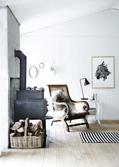 Scandinavian Fireplace Ideas Makeover for Your Living Room Scandinavian Fireplace, Modern Scandinavian Interior, Scandinavian Living, Scandinavian Christmas, Beach Cottage Style, Beach Cottage Decor, White Home Decor, Cheap Home Decor, Home And Living