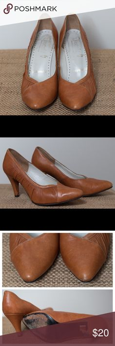 Vintage Leather High Heels Dress Shoes Beautiful vintage heels from 70s-80s. It great condition. See images for slight signs of wear. Vintage Shoes Heels
