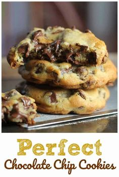 Perfect Chocolate Chip Cookies Deserts - rezepte These 'perfect' chocolate chip cookies are completely buttery, chewy, thick and chocked full of rich, semi-sweet chocolate chips. Perfect Chocolate Chip Cookies, Chocolate Cookie Recipes, Semi Sweet Chocolate Chips, Easy Cookie Recipes, Baking Recipes, Cake Recipes, Dessert Recipes, Oreo Desserts, Chocolate Chocolate
