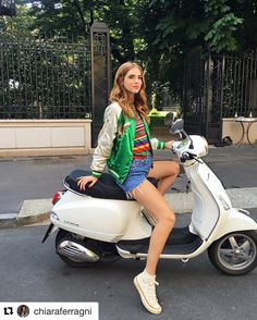 #Repost @chiaraferragni with #vespa ・・・ Can I get any more italian than this?  #ItalianDays