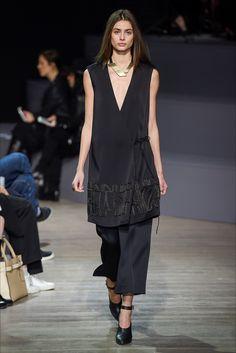 Sfilata Maiyet Parigi - Collezioni Autunno Inverno 2015-16 - Vogue