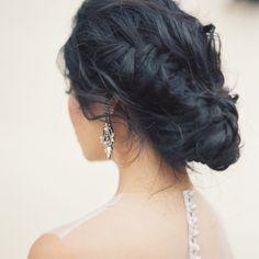 Tóc cưới tết bím lệch búi thấp | VOW Wedding