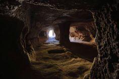 Dünya nin en büyük yeraltı sehri , Nevsehir de Cumhuriyet Mahallesinde bulundu .