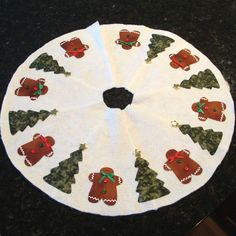 Gingerbread Man and Tree Mini Tree Skirt Red