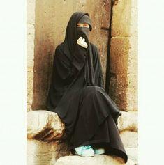 Hijab Niqab, Muslim Hijab, Hijab Outfit, Moslem Fashion, Niqab Fashion, Arab Girls Hijab, Muslim Girls, Hijabi Girl, Girl Hijab