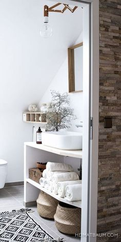 77 Gorgeous Examples of Scandinavian Interior Design Scandinavian-neutral-bathroom Home Decor Ideas Neutral Bathroom, Open Bathroom, Master Bathroom, Simple Bathroom, Boho Bathroom, Attic Bathroom, Bathroom Styling, Master Baths, Bathroom Showers