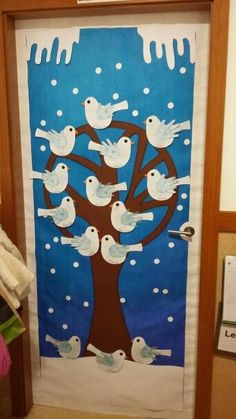 Christmas Crafts For Kids To Make, Easy Crafts For Kids, Projects For Kids, Feeding Birds In Winter, Classroom Tree, Egg Carton Crafts, Winter Art, Country Christmas, Christmas Pictures