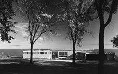 Starkey House, Marcel Breuer, Duluth, MN, 1956 Stoller empleaba en todas las fotos una cuidadosa técnica de composición, equilibrio, iluminación, textura y volúmenes (© Ezra Stoller / Yossi Milo Gallery)