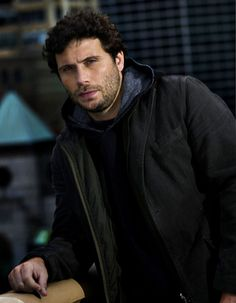 Law and Order - Jeremy Sisto Jeremy Sisto, Beautiful Men, Beautiful People, Fictional Heroes, People Of Interest, Six Feet Under, Law And Order, Por Tv, Raining Men