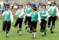 Cotswold-style morris dancing in the grounds of Wells Cathedral, Wells, England — Exeter Morris Men May Day Traditions, British Traditions, Easter Traditions, Just Dance, Yorkshire, History Of Dance, Morris Dancing, Village Fete, 100 Euro
