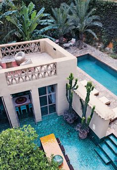 A swimming pool is a profitable home facility. With the swimming pool, the house becomes refreshing. Here are some swimming pool designs outside the door and inside. Future House, Outdoor Spaces, Outdoor Living, Outdoor Tiles, Outdoor Pool, Outdoor Decor, Indoor Outdoor, Design Exterior, Dream Pools