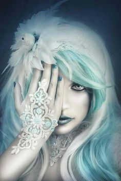 """want this hair! ~ maybe when i retire ~ ALW ~~ """"Aguamarina"""" by Rebeca Saray Gude Snow Queen, Ice Queen, Fantasy World, Fantasy Art, Fantasy Witch, Lany, Fantasy Characters, Blue Hair, White Hair"""
