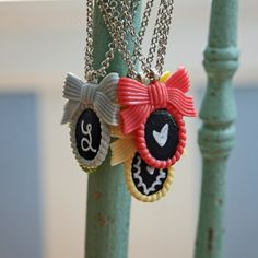DIY chalkboard necklaces!