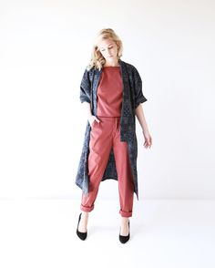 Lisa Hackwith в Instagram: «Today's release is the crimson colored Satchel trouser pant paired here with our matching Wynonna tank and vintage kimono:)»