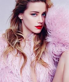 She may be nuts but I still love her . Amanda Heard, Amber Heard Hot, Beautiful Celebrities, Beautiful Actresses, Gorgeous Women, Amber Head, Cute Girl Face, Stylish Girl, Hollywood Actresses