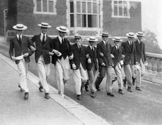 Gettyimages: Students of Harrow School at the beginn of the new term. England 1930. Hulton Archive